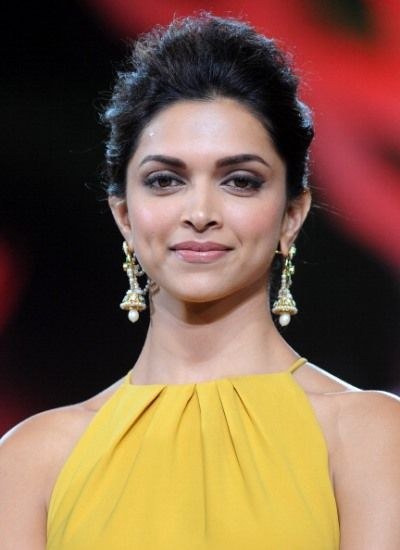Deepika Padukone Measurements, Height, Weight, Bra Size, Age, Wiki, Affairs