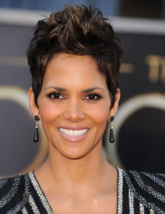 Halle Berry Measurements, Height, Weight, Bra Size, Age, Wiki, Affairs
