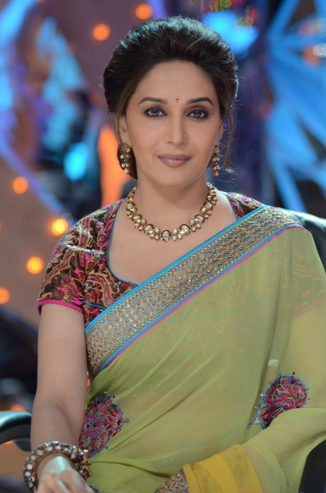 Madhuri Dixit Measurements, Height, Weight, Bra Size, Age, Wiki, Affairs