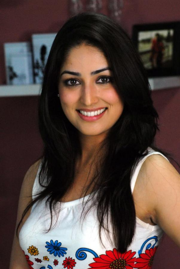 Yami Gautam Measurements, Height, Weight, Bra Size, Age, Wiki, Affairs