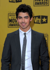 Joe Jonas Height, Weight, Body stats, Wiki