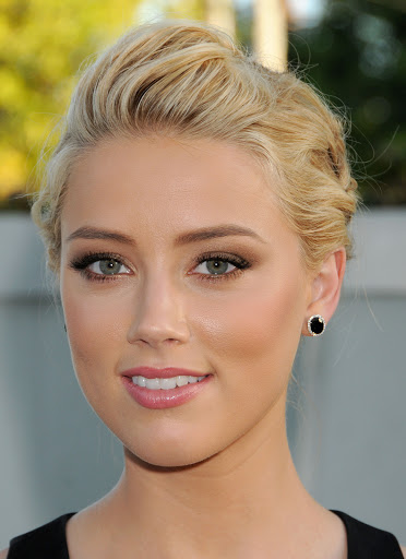 Amber Heard Measurements, Height, Weight, Bra Size, Age, Wiki, Affairs