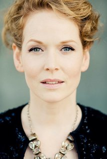 Chelah Horsdal Measurements, Height, Weight, Bra Size, Age, Wiki, Affairs