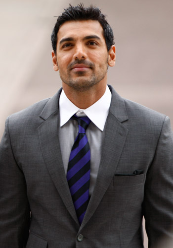 John Abraham Height, Weight, Body stats, Wiki