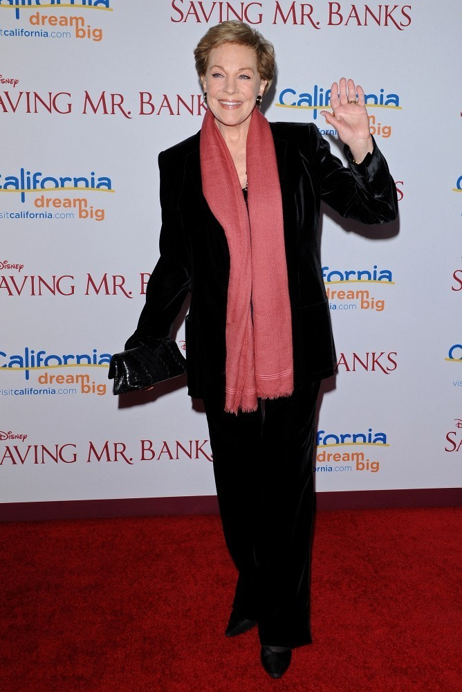 Julie Andrews Bra Size Height Weight Body Measurements Wiki