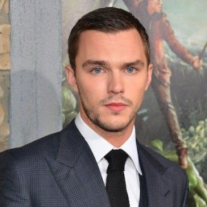 Nicholas Hoult Height, Weight, Body stats, Wiki